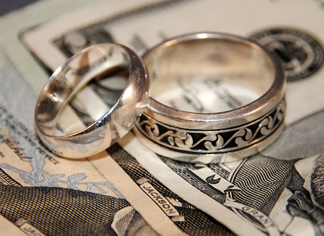 Money and marriage by Robo Android via Flickr 0